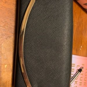 Black and rose gold wallet - F21
